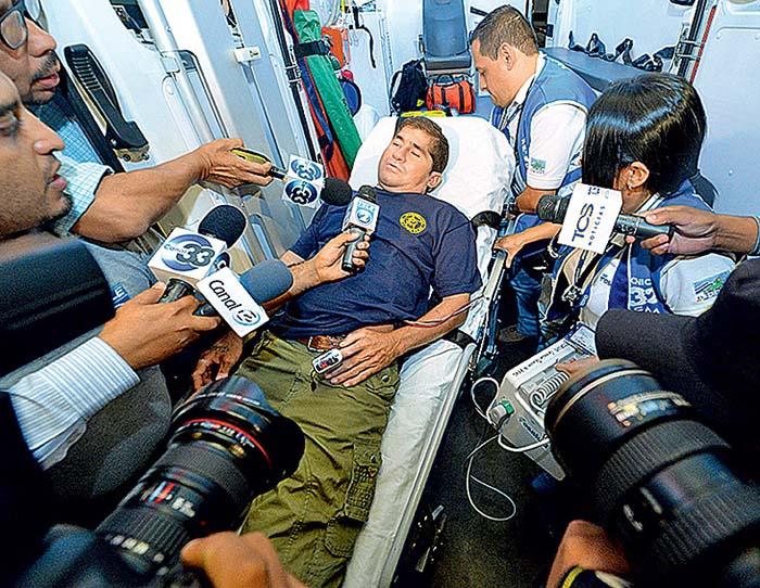 В Маджуро Хосе встретили журналисты, но он отказывался с кем-либо общаться.