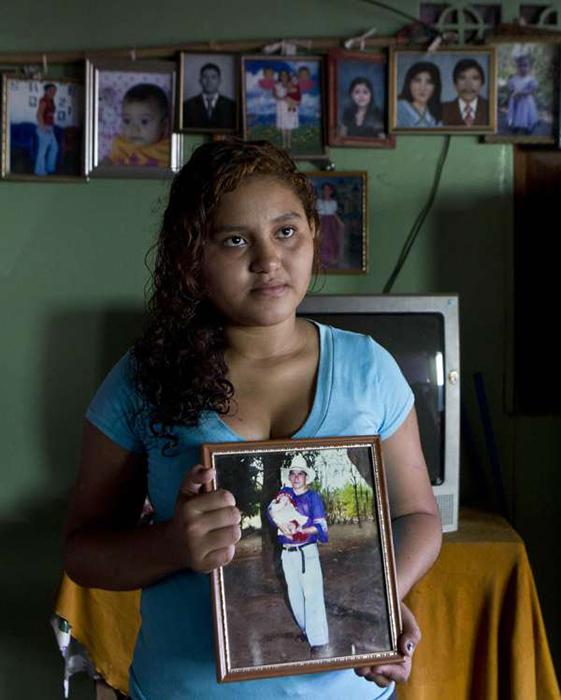 Дома в Сальвадоре о Хосе не слышали уже восемь лет.