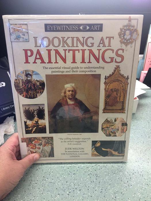 Энциклопедия искусств, подвергшаяся цензуре в христианском колледже.