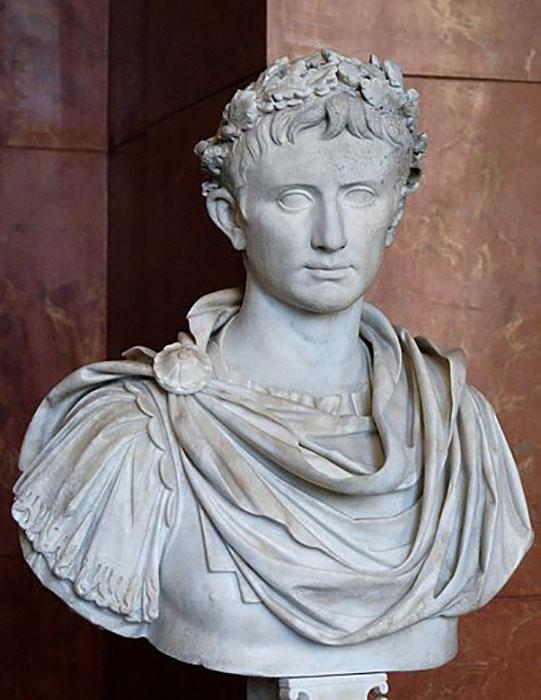 Гай Юлий Цезарь Октавиан Август.