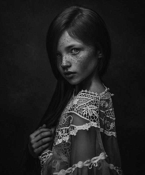 Девочка с веснушками. Фото: Paulina Duczman.