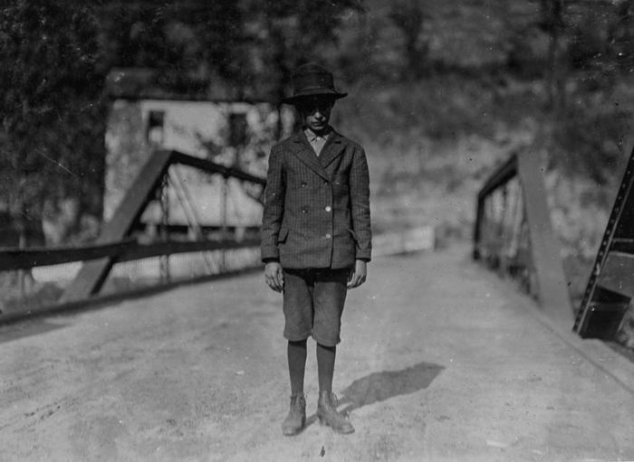 Арли Фанкинс, 14 лет, рабочий в шахте Барнесвиль.