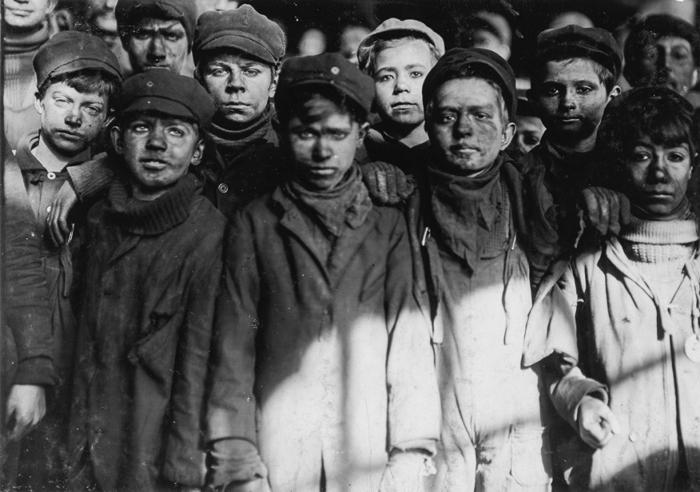 Сортировщики в угольной шахте Пенсильвании, 1911г.