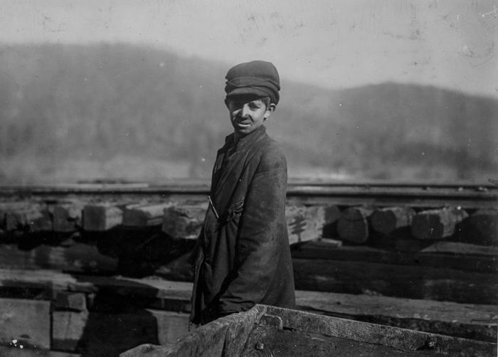 Харли Брюс, рабочий на шахте Индиан Маунтайн в Теннесси. 1910г.