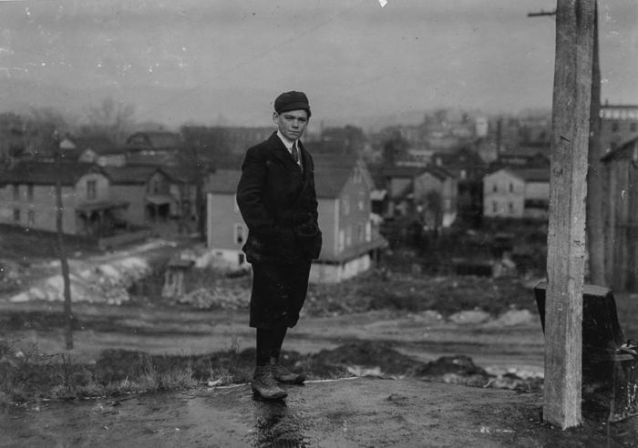 Джим МакНалти, 15 лет, лидер группы в шахте Лидвил Шафт в Пенсильвании. 1911г.