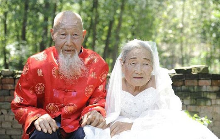 Чета Сонг прожили вместе 80 лет, прежде чем у них появились свадебные фотографии.