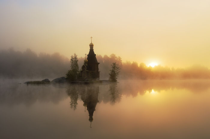 Церковь сказочной красоты.