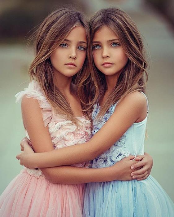 Девочки начали карьеру моделей в 7 лет. Instagram clementstwins.