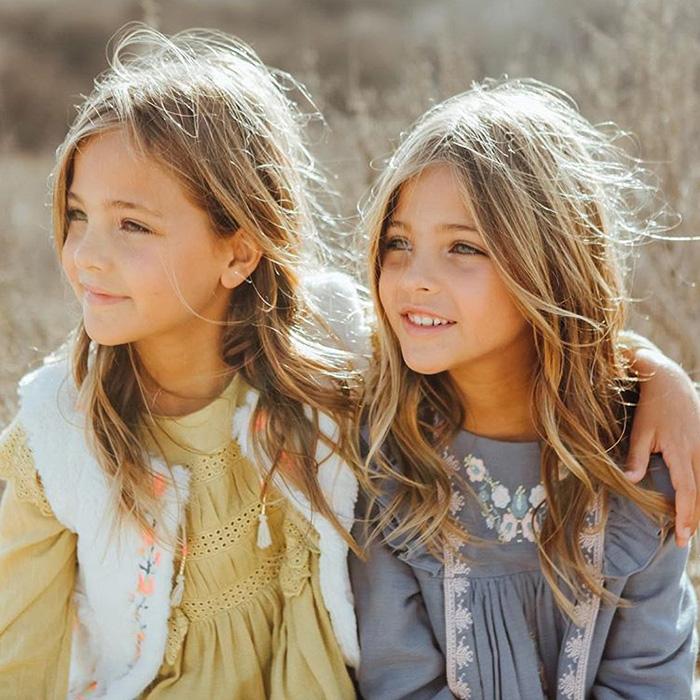 Ава и Лия Клементс. Instagram clementstwins.