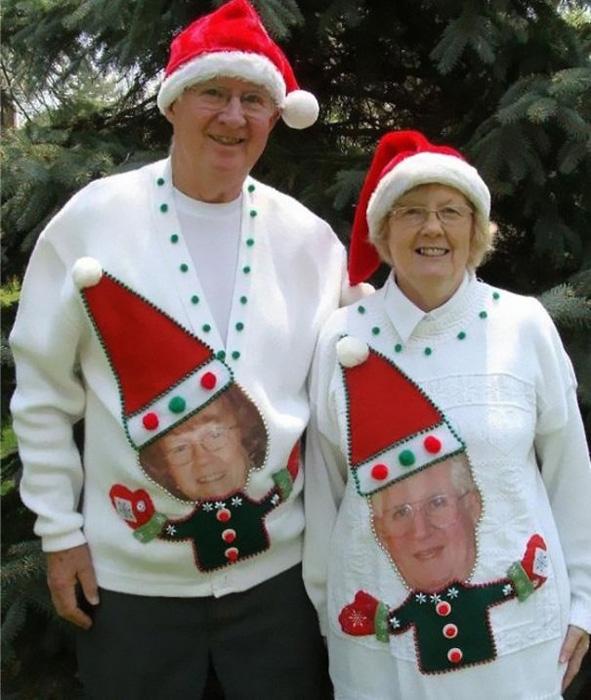 Милые новогодние свитера с аппликацией.