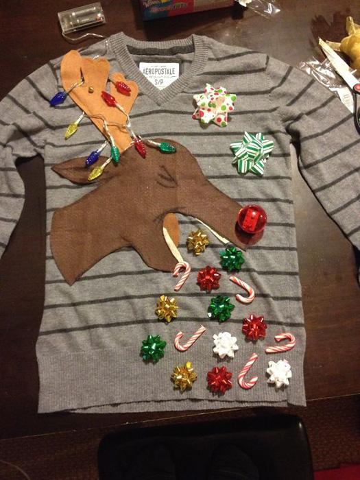 Новогодний свитер, сделанный 11-летним ребенком.