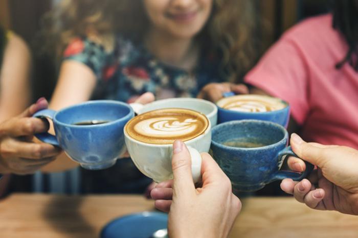 Ученые уверяют, что кофе полезен, но только если пить его в меру.