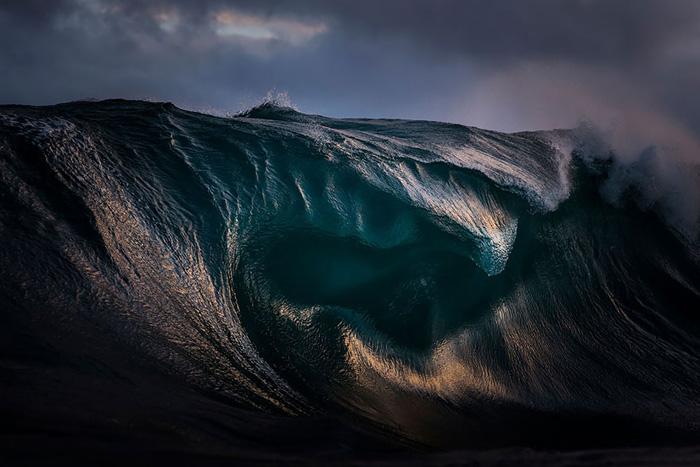 Отвесные скалы стеклянного океана.