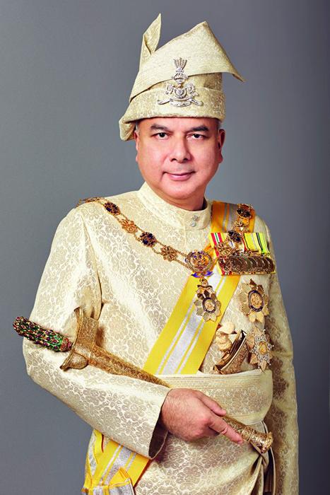 В Малайзии желтый цвет - цвет власти.