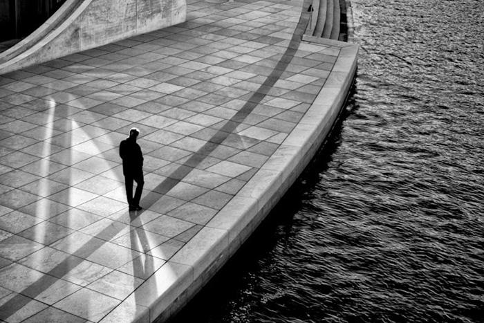 На краю.  Автор фото: Stefano Corso.