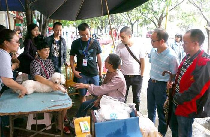В то время как Зенгу запретили работать, в стране проводится еще множество подобных процедур точно так же без лицензии и в непригодных для этого условиях.