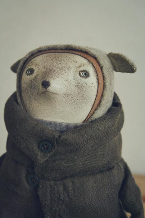 Зверек Тео, увлекающийся поэзией.  Авторские куклы Марины Глебовой.