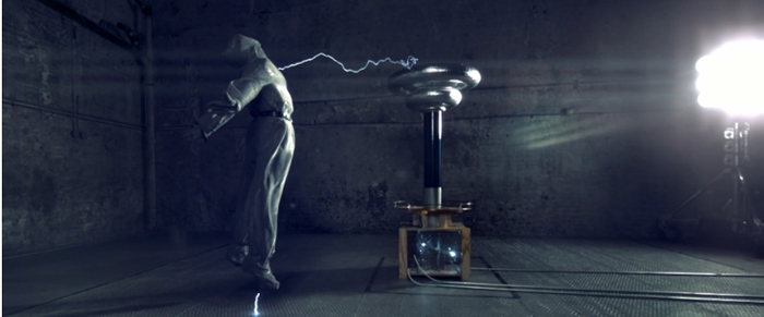 Музыкальное видео, превращающее науку в искусство.