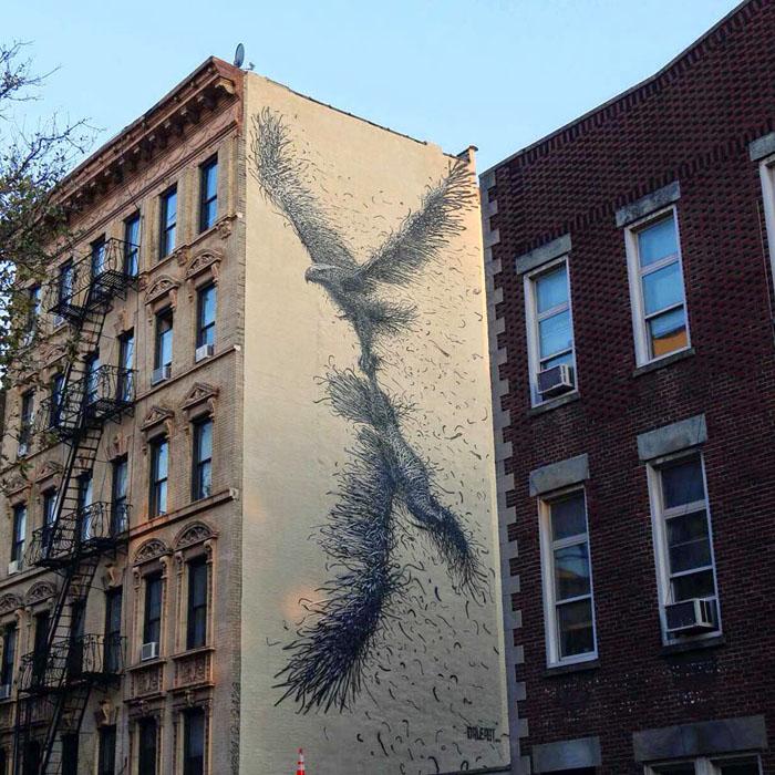 Новая работа DALeast на одном из зданий Манхеттена.