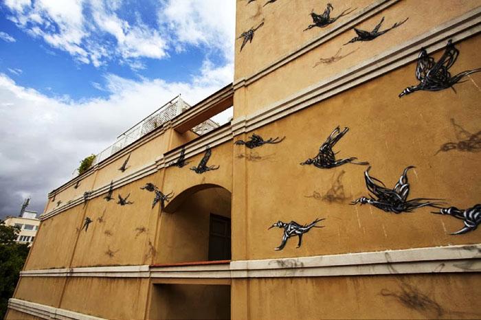 Металлические птицы китайского художника DALeast.