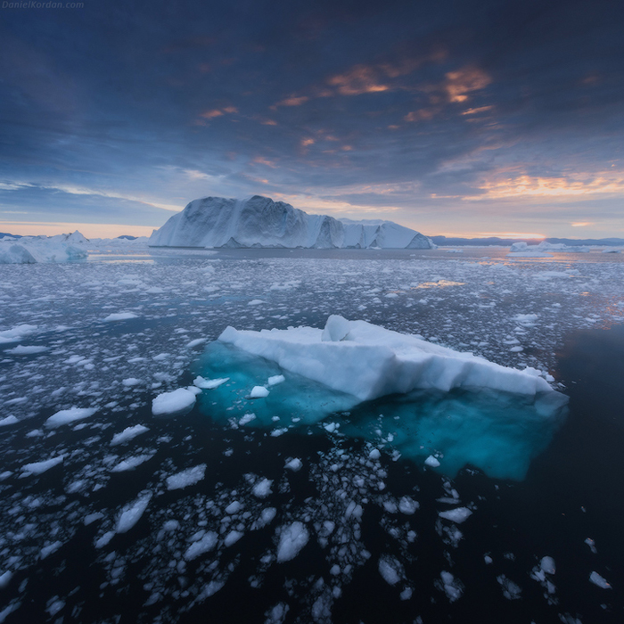 Лед на воде. Автор фото: Daniel Kordan.
