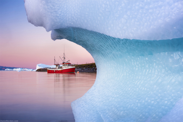 Из-за ледника. Автор фото: Daniel Kordan.