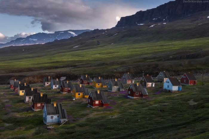 Домики в Гренландии. Автор фото: Daniel Kordan.