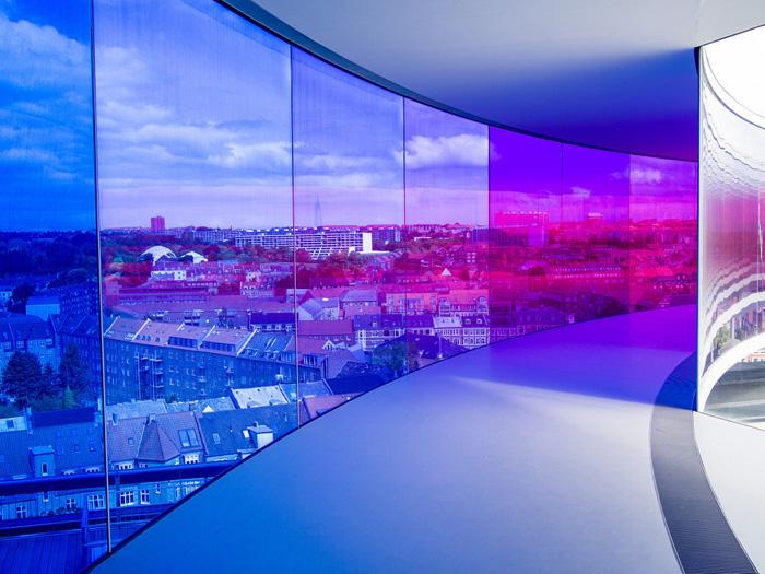 *Твоя радужная панорама* в музее ARoS в городе Орхус.