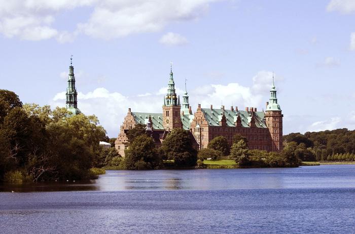 Замок Фредериксборг в Хиллероде.