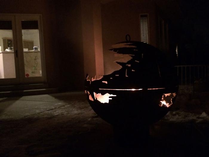 Звезда Смерти - отличный светильник ночью!