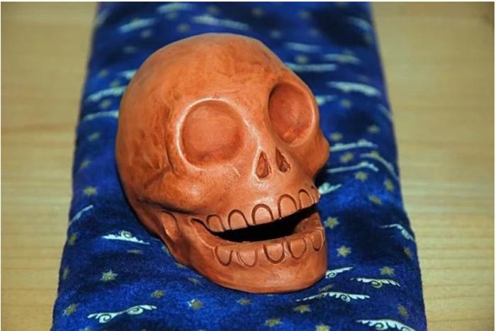 Подобные свистки использовались не только Ацтеками, но также индейцами Майя.
