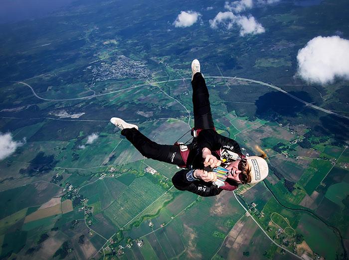 Фото во время свободного падения от David Bengtsson.