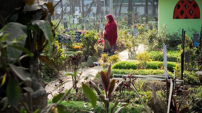 Все кладбища в Дакке сильно переполнены.  Фото: Amirul Rajiv.
