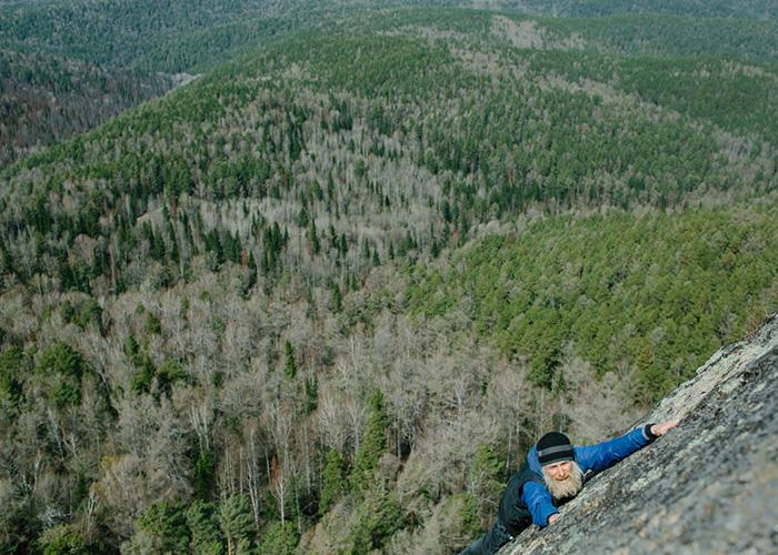 Опасный альпинизм.  Фото: Ксения Иванова.