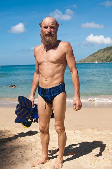 В свои почти 70 дед Андроныч находится в отличной физической форме.