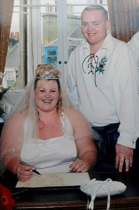Дженис и Уильям Робертсон в день своей первой свадьбы.