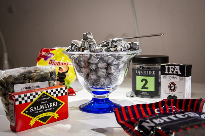 Лакрица - сладости, созданные из корня солодки. Популярный десерт в Скандинавии.