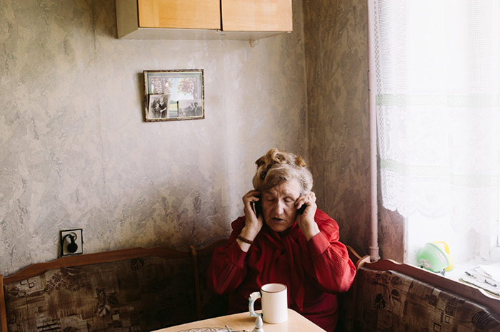 Галина Ивановна говорит, что часть вещей хранятся также у нее дома, поэтому она никогда не приглашает к себе гостей. Фото: Наталья Булкина.