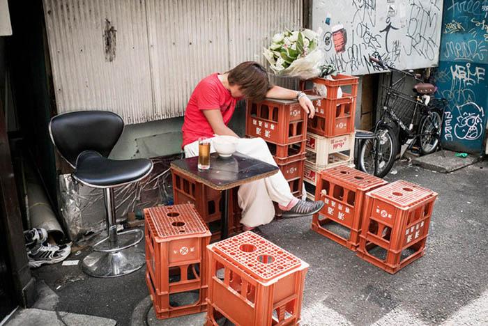 Традиция пить алкоголь уходит глубоко в историю Японии.  Фото: Lee Chapman.