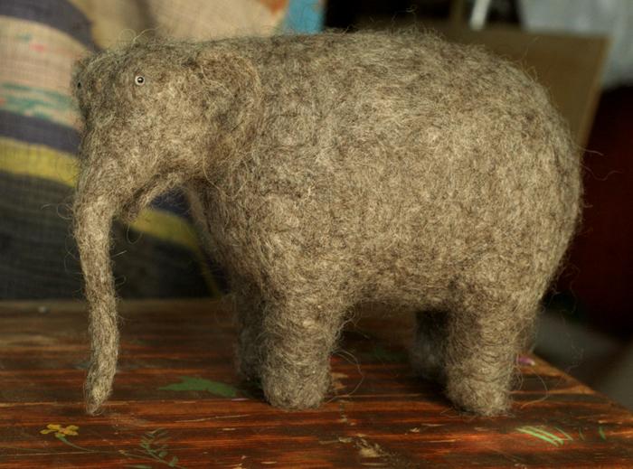 Толстый милый слон - одна из работ Витора Дубровского.