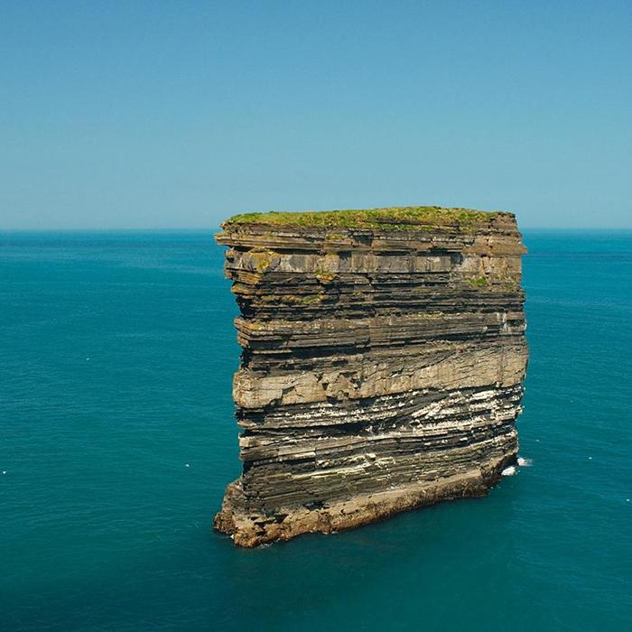 Дан Брист находится в 80 метрах от берега.