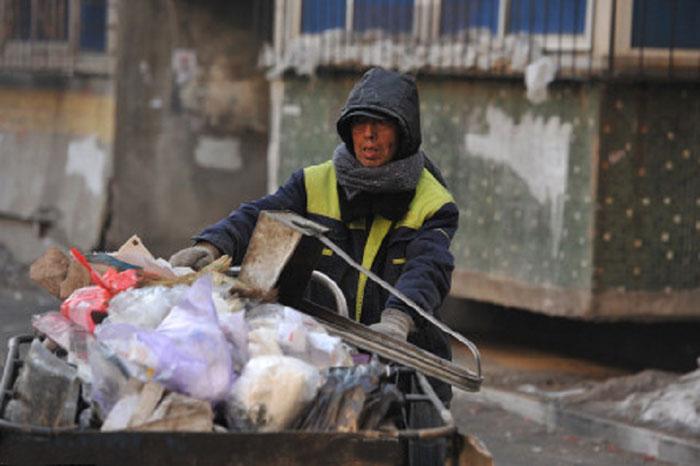 Обычный мусорщик делает для благотворительности больше, чем иные состоятельные люди.