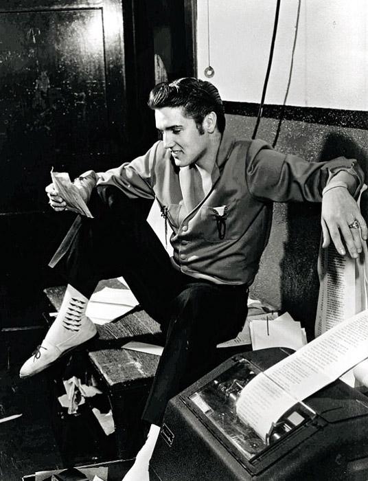 В 1957 году музыку Элвиса запретили в Канаде.