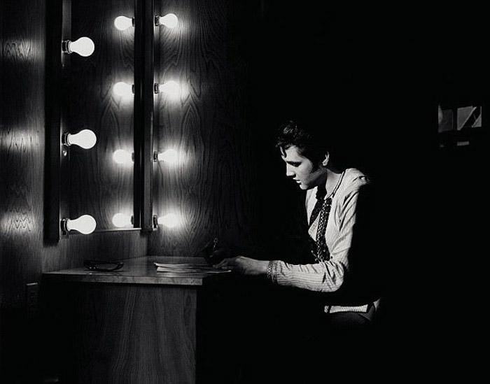 Новая фотокнига получила название *Elvis, The Legend.*