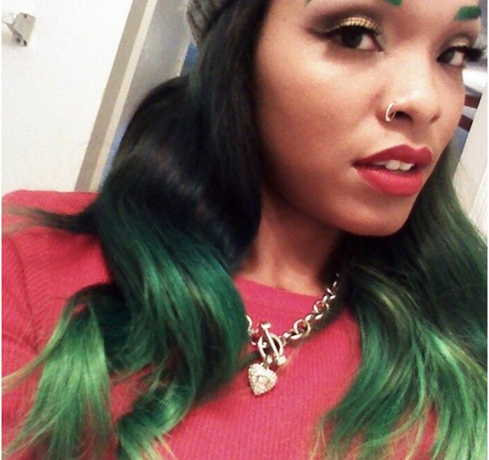 Зеленые брови - теперь это не приговор, а мода.
