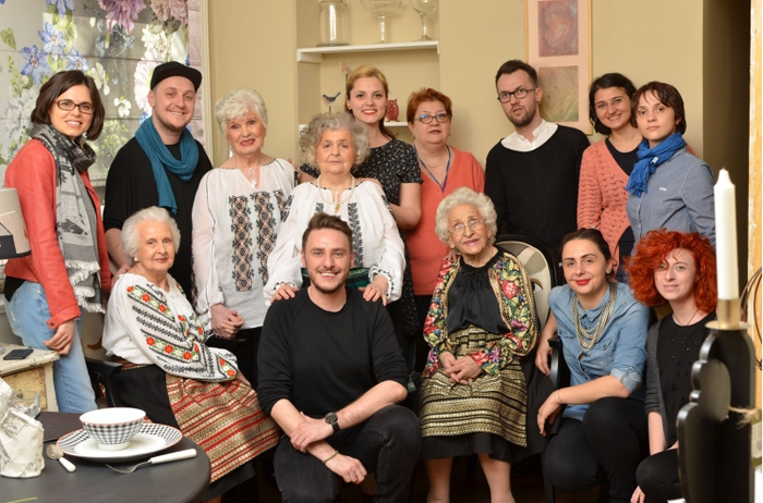 Все участники съемочного процесса. Фото: Eli Driu.