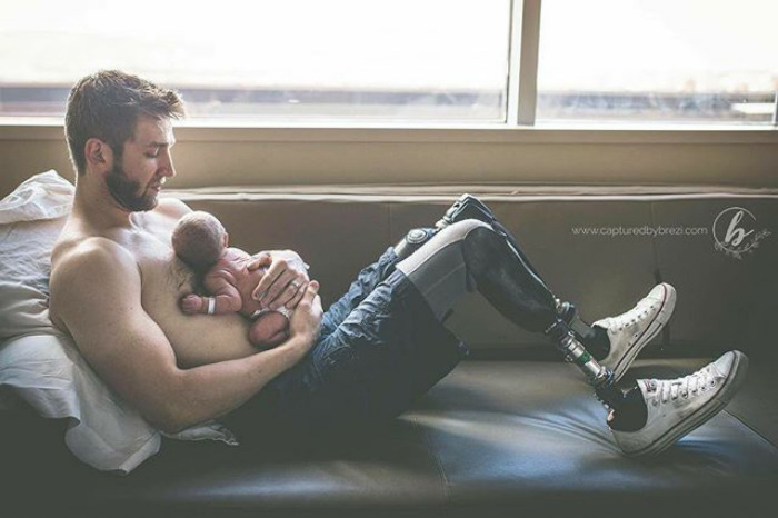 Это безусловная любовь. Ты о ней не можешь знать, пока не станешь родителем. Это невероятно. Ты способен на это. Ты готов. Ты - всё для своих детей. Instagram dontforgetdad.