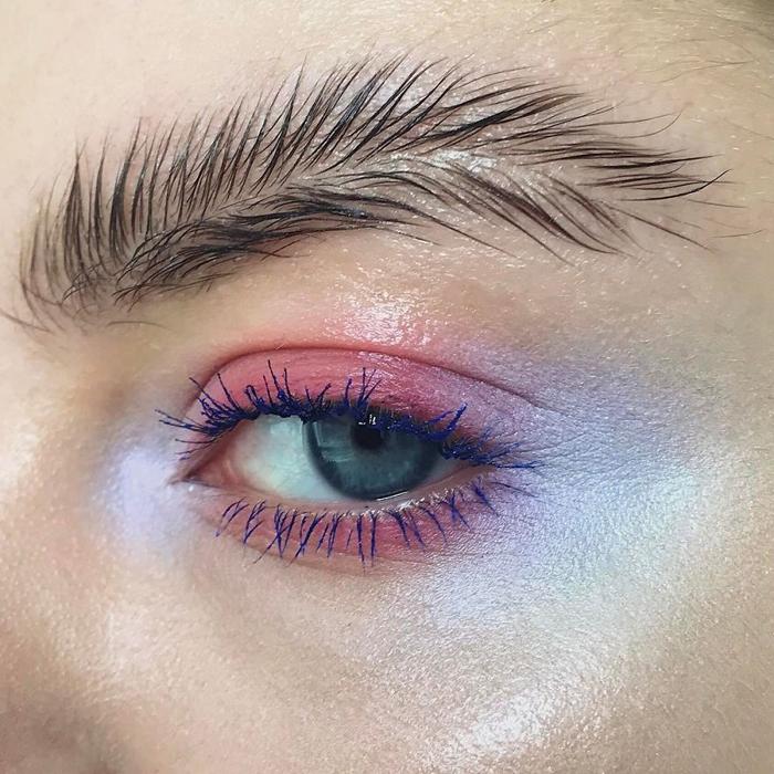 Фотография, с которой начался тренд. Instagram stella.s.makeup.