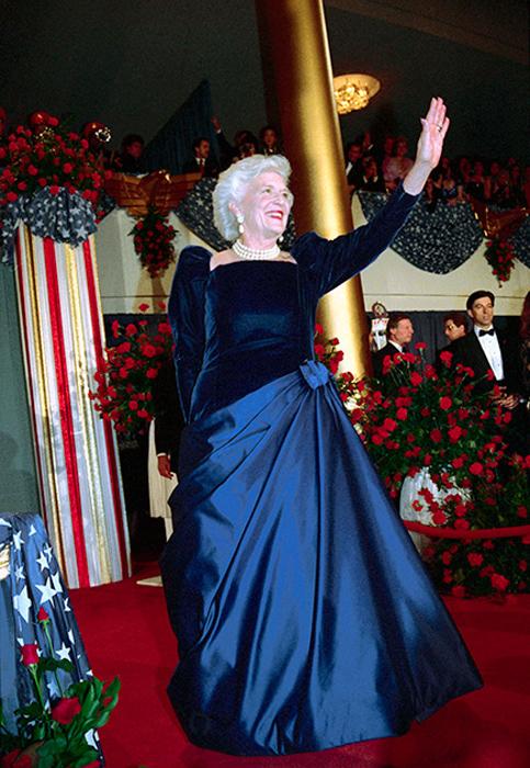 Барбара Буш, жена Джорджа Буша-старшего. 1989 год.