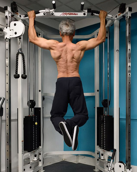 Пенсионный возраст - не причина прекращать заниматься собственным телом.